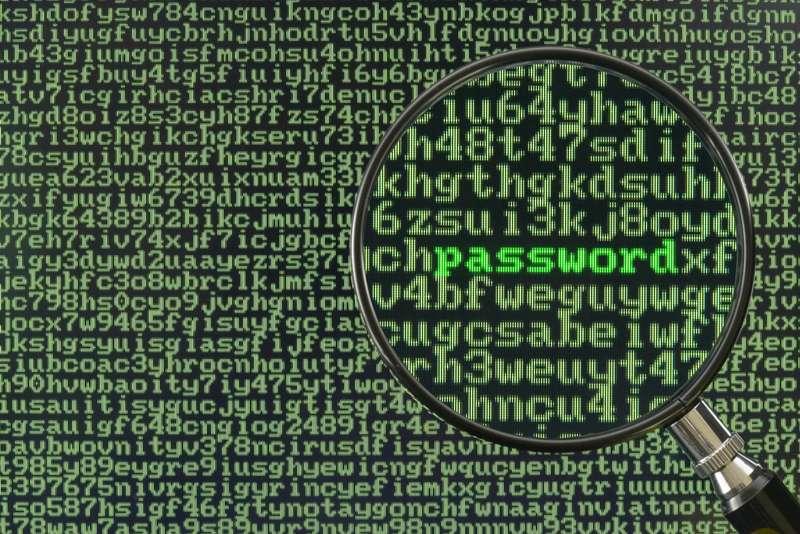 Hacker'lar kendilerine ait olmayan bilgilere izinsiz ulaşıp zarar verirler.