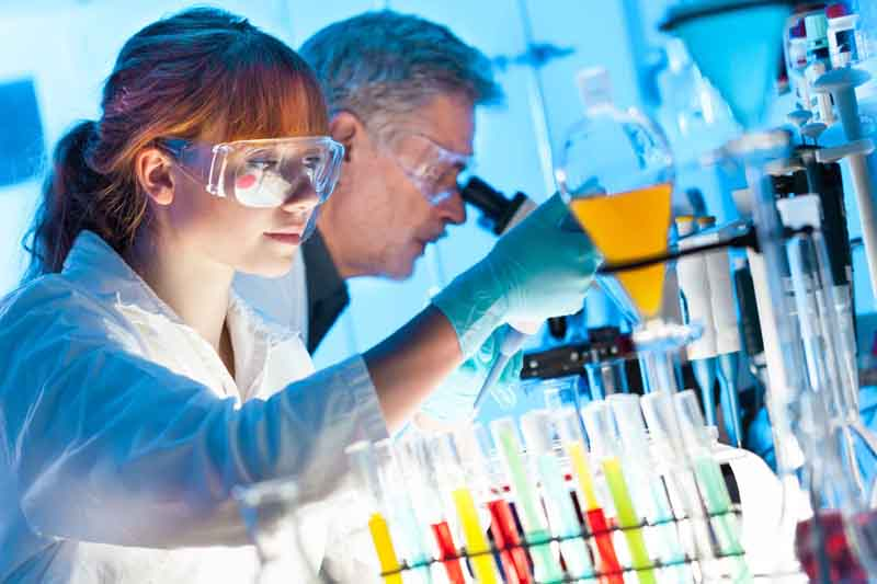nanoteknoloji, yakın gelecekte tüm dünyanın sanayi kollarına ve insan hayatının her yönüne yön verecek.