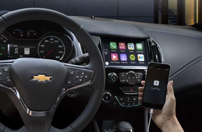Apple bugün web sitesindeki CarPlay araçlarının listesini güncelledi