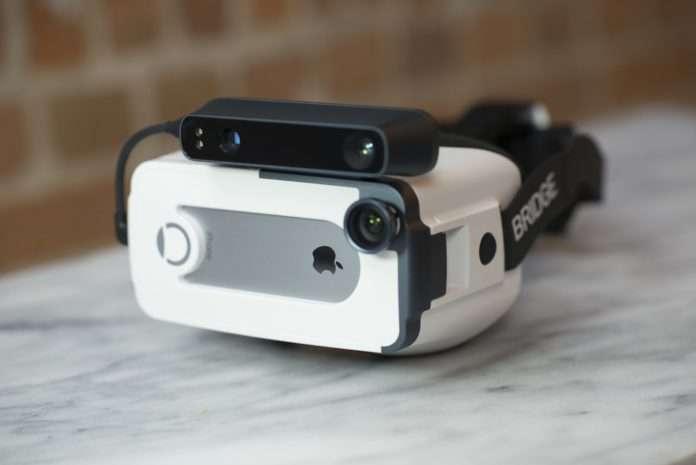 Bridge, iPhone için karma gerçeklik gözlüğü