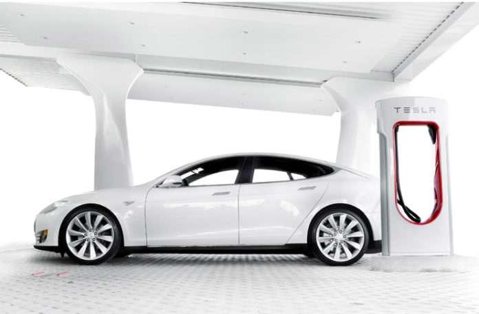 Tesla, yeni süper dolum istasyonları ağı projesini sunmaktan gurur duyar
