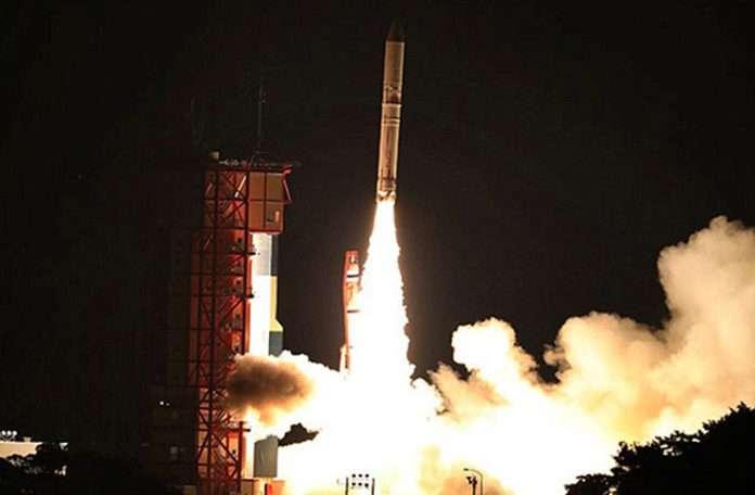 Japonya'nın bütünüyle katı yakıtla çalışan son roketi