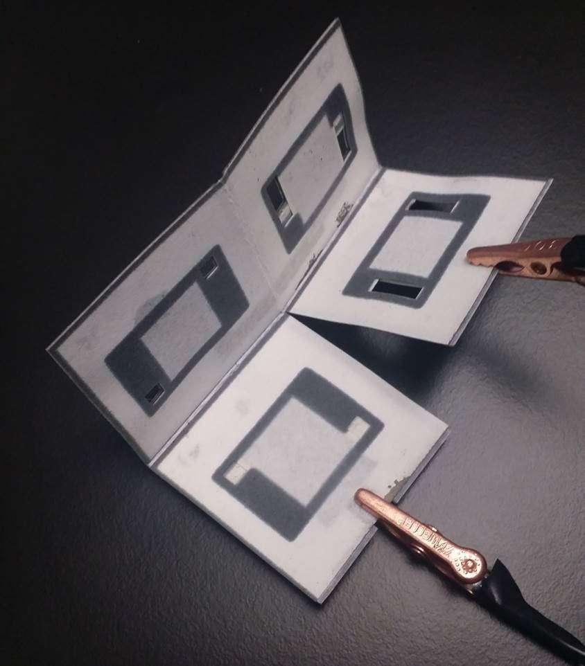 Bakteri-kaynaklı, katlanabilir kağıt pil