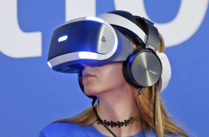 PSVR 360 derecelik YouTube videolarını da destekleyerek büyük bir adım attı