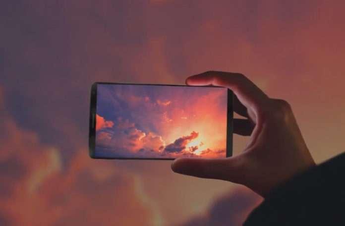 Samsung, Galaxy S8'i bu reklamda sızdırmış olabilir