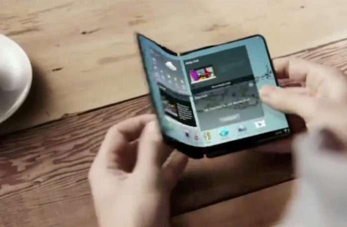 Samsung ve LG katlanabilir telefonlarını yıl sonunda duyurmayı planlıyor