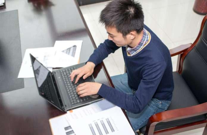Çevrimiçi kursları güçlü birer eğitici araç olarak tercih edebilirsiniz