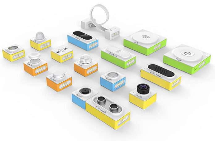 Ses sensörü, kamera ve hareketli kol gibi modüllere sahip oyuncakla robot üretmek çok eğlenceli