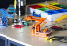 Kickstarter'daki yeni set Raspberry Pi kullanarak robot geliştirmenizi sağlıyor