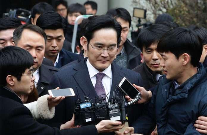 Samsung yöneticisi Lea Jae-yong, rüşvet suçuyla tutuklandı