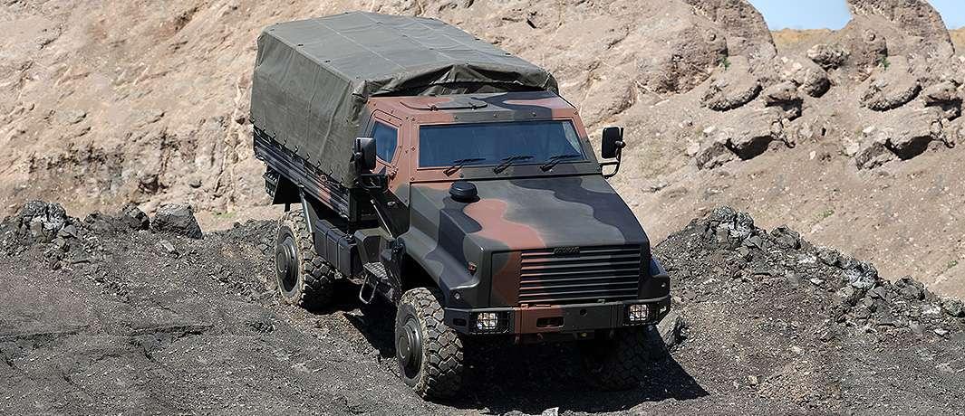 Kaya zırhlı personel taşıyıcı