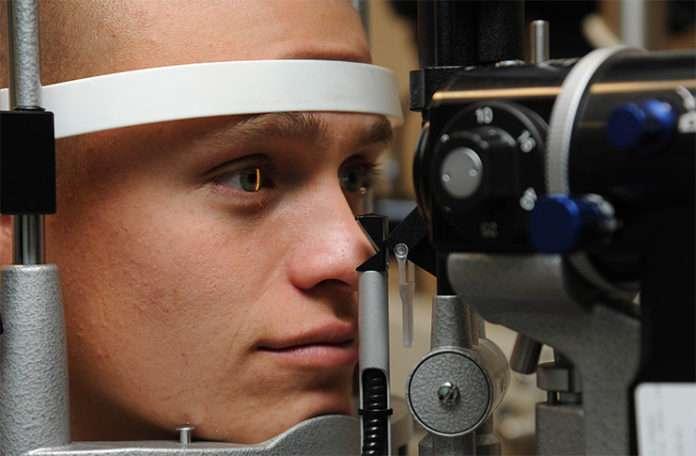 Organik malzemeden üretilen implant sayesinde görüş kaybının önüne geçilecek