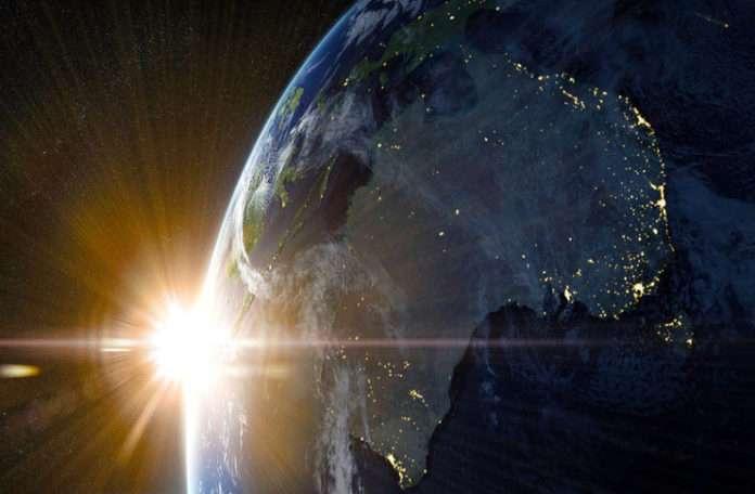 Güneş'i kozmik büyütücü cam olarak