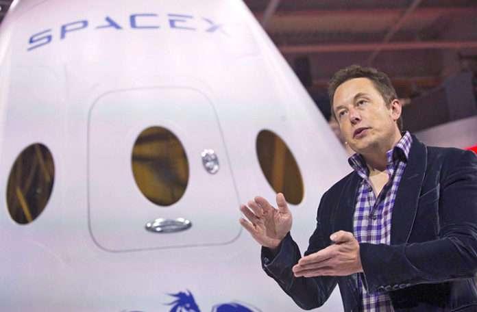 SpaceX 2018 yılında Ay'a iki özel yolcu gönderecek