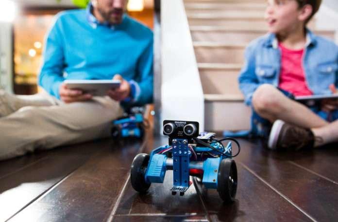 'Makerblock' bu ailelere programlanabilir robotlarla