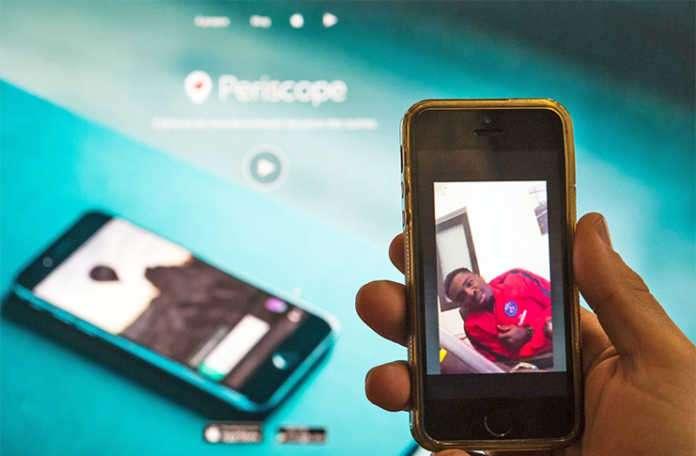Moments üzerinden Periscope canlı yayınlarını izleyebileceksiniz