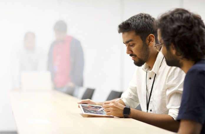 Apple Hindistan Bengaluru'da kendi uygulama kuluçka merkezini açtı