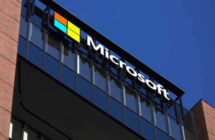Microsoft'u hackleyen iki kişiyi tutukladılar