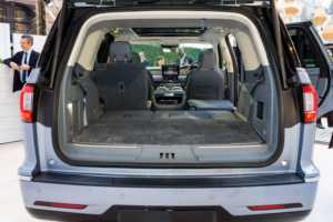 Yeni Lincoln Navigator, devasa araç içinde zarif bir lüks
