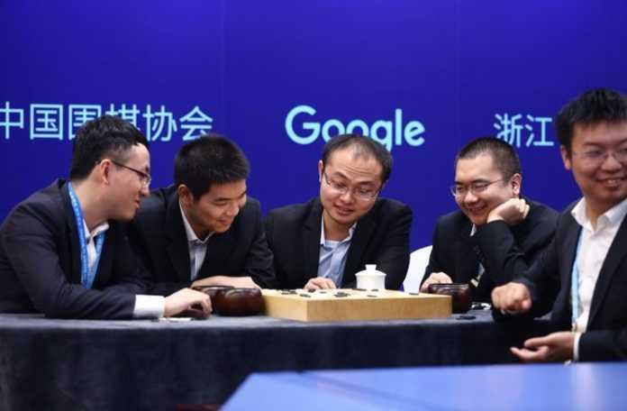 beş Go şampiyonundan oluşan bir takımı