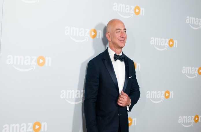 "Buffet ""Jeff Bezos'ın çağımızın en olağanüstü iş adamı"