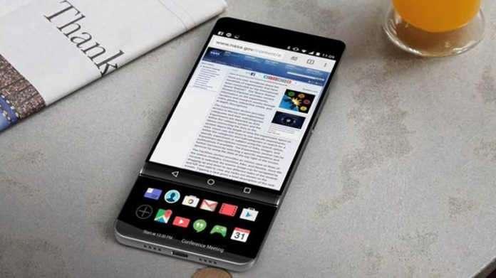 LG V30'un görsellerinde, telefonun ikincil bir ekranı daha olduğu görülüyor