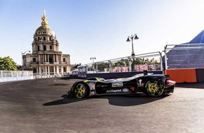 Formula E Paris ePrix'inde yer alan Roborace