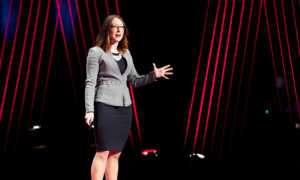 Psikolog ve yazar olan Tasha Euric başarıya ulaşmak için özgüvenin neden bu kadar önemli bir şey olmadığını açıklıyor