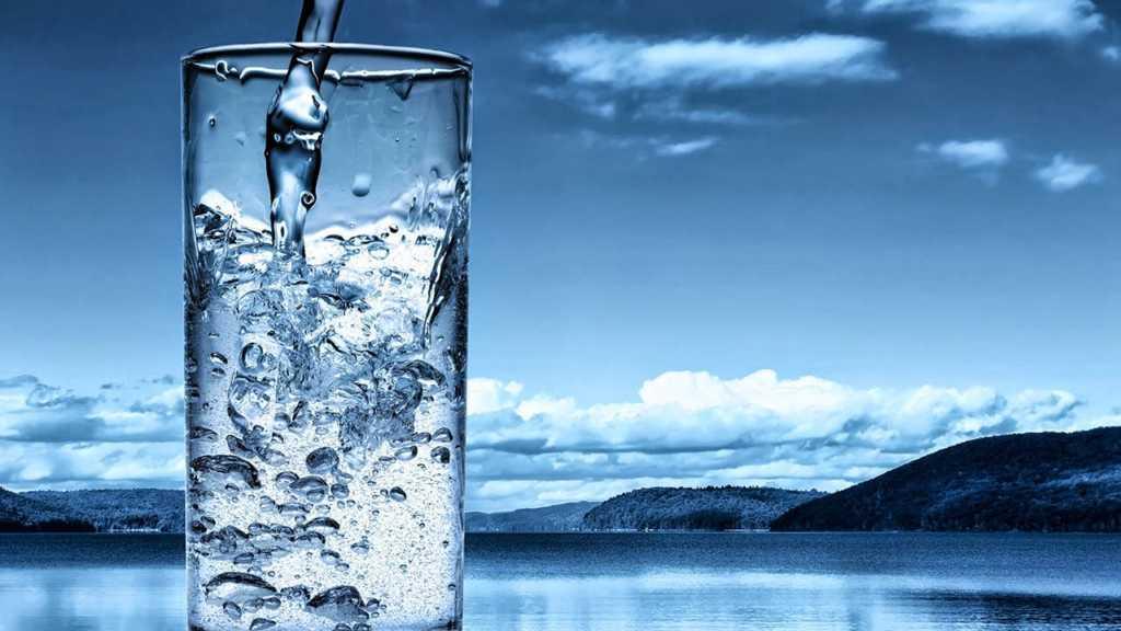 Su neden ıslaktır?