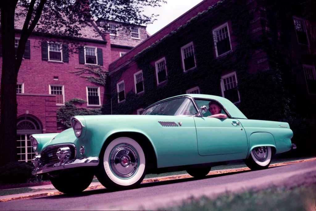 Dünyanın en güzel arabaları - 1955 Ford Thunderbird