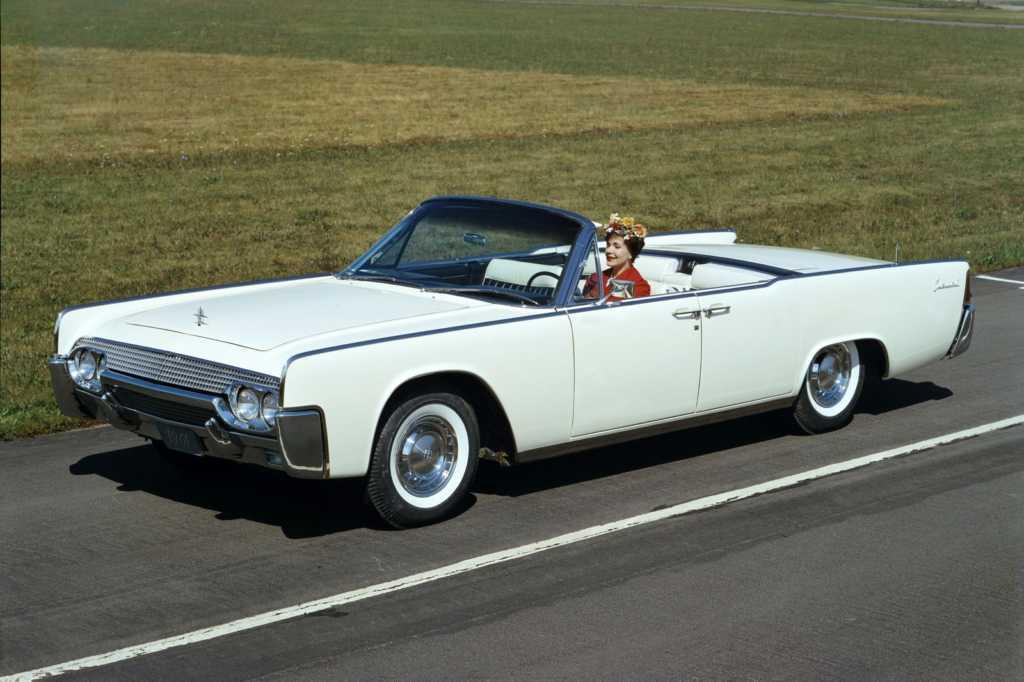 Dünyanın en güzel arabaları - 1961 Lincoln Continental