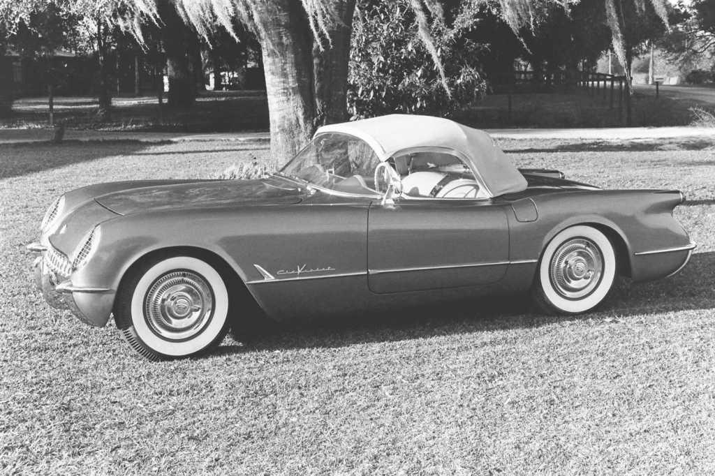 Dünyanın en güzel arabaları - 1955 Chevrolet Corvette V8