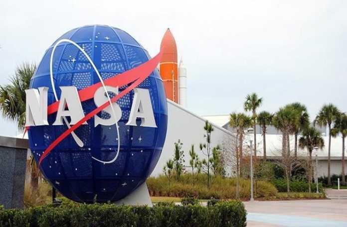 NASA, bünyesine 5'i kadın olmak üzere 12 yeni astronot aldı