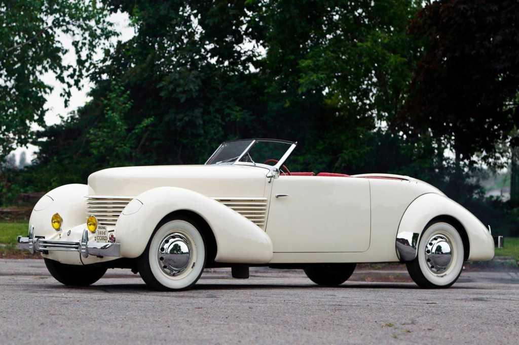 Dünyanın en güzel arabaları - 1936 Cord 810/812