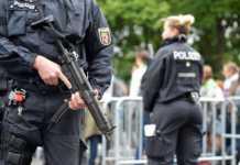 Alman Polisi, 36 eve birden baskın düzenledi