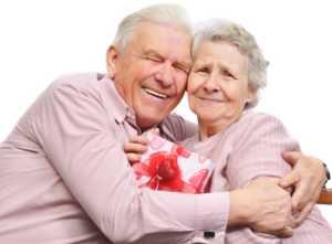 Bilim insanları eğer yüksek kolesterol ve önemli kalp krizi riskiniz varsa evliliğin hayatta kalma şansınızı artıracağını söylüyor.