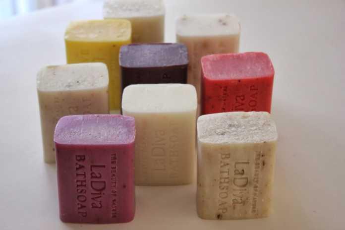 Hem sıvı hem de katı sabunlar bakteri üretiyor