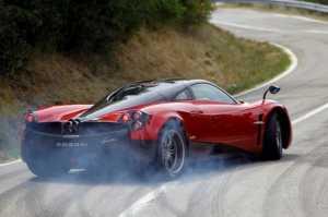 Dünyanın en hızlı arabaları - PAGANI HUAYRE – 230 MPH