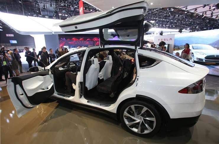 Tesla Model X-SUV resmi olarak en güvenli otomobil