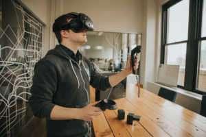 HTC, Vive Standalone adlı VR gözlüğünü tanıttı