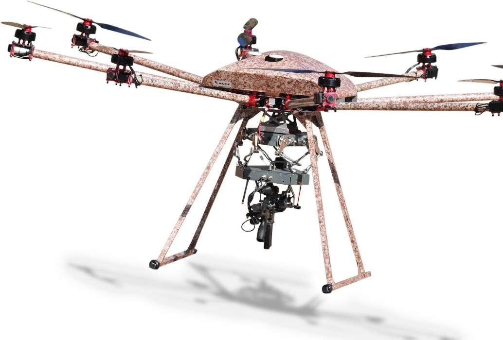 On kiloluk robot dengeleme halkası, altı derecelik serbest hareket sağlayıcı, silah ve kamera hızlı bir şekilde yeniden hedefleyebilme olanağı sağlıyor