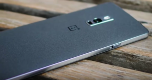 Akıllı telefon OnePlus 5'in yeni rengi Amazonda açığa çıktı