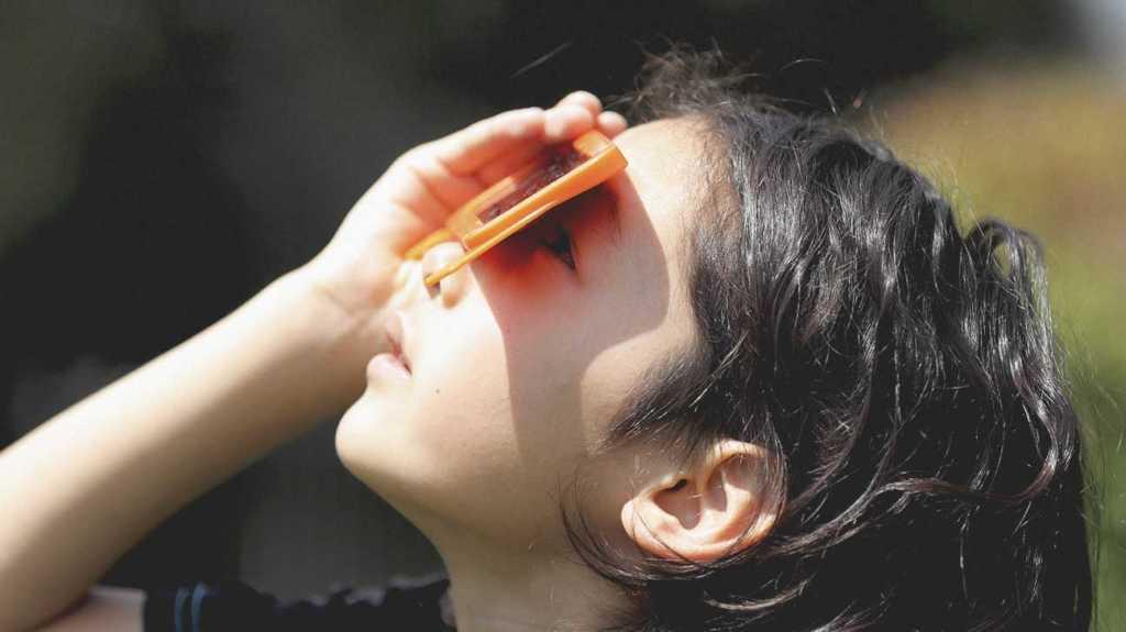 Güneş tutulmasını güvenle nasıl izleyebilirsiniz?